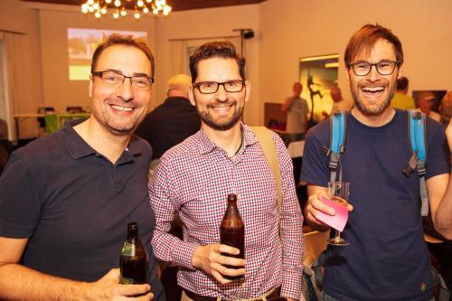 Das Bier hat eher unsere ´Jugend´ in Stimmung gebracht - rechts unser MTB-Trainer Stephan und mit Buchprüfer Andreas (Mitte).