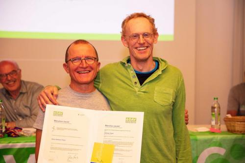 Ganz besonders haben wir uns gefreut, Dietmar, Jutta und Gert im Namen unseres OBs und der Stadt München die Auszeichnung ´München dankt!´ für ihr ehrenamtliches Engagment überreichen zu können! Seit Jahren sorgt Dietmar dafür, dass wir (und übrigens auch alle bei Team München) online kommunizieren können und ist jedes Wochenende als FÜL Skitouren und MTB aktiv.Herzlichen Dank Dietmar!